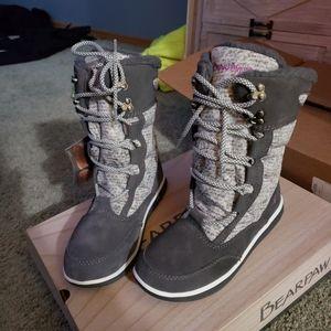 Bearpaw Aretha size 7 boots. (Brand new)